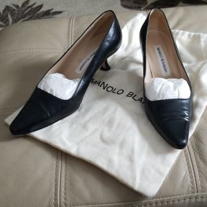 Manolo Blahnik black kitten heel pump